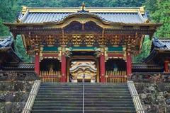 在Taiyuinbyo寺庙的Yashamon门在日光,日本 库存图片