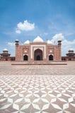 在taj附近的阿格拉印度mahal masjid清真寺 免版税库存照片