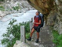 在Tal村庄-尼泊尔附近的Marsyangdi河 库存图片