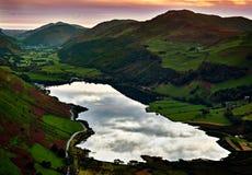 在Tal-y-llyn湖和Dysynni谷威尔士的日落 免版税库存照片