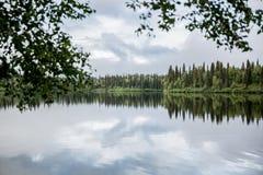 在Talkeetna阿拉斯加附近的湖 库存照片