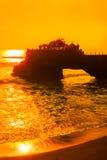在Tanah全部,巴厘岛,印度尼西亚的日落 免版税图库摄影