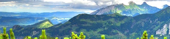 在Tatra山的全景夏天风景 免版税库存照片