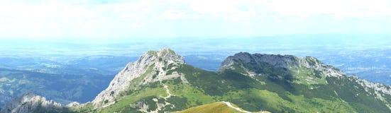 在Tatra山的全景风景, Giewont断层块 免版税库存图片