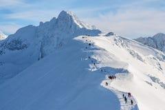 在Tatra山的旅游道路在Kasprowy Wierch附近 库存图片
