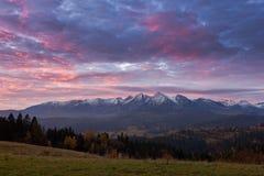 在Tatra山的日落 免版税库存图片