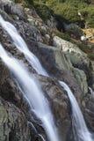 在Tatra山的Siklawa瀑布,波兰 免版税图库摄影