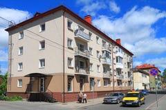 在Telman街上的Multiroom房子在市Gvardeysk 库存图片