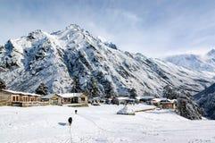 在Tengboche的雪在珠穆琅玛地区 免版税图库摄影