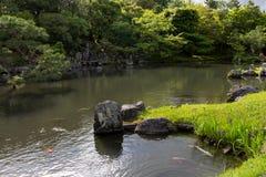 在Tenryu籍寺庙的水池在京都,日本 免版税库存照片