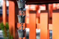 在Tenryuji寺庙的链子响铃 免版税库存照片