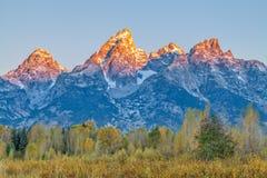 在Tetons的秋天日出 免版税库存图片