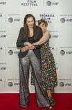 在TFF的家庭关系:Laurie Simmons和莉娜邓纳姆 免版税图库摄影