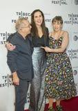 在TFF的家庭关系:Laurie Simmons和莉娜邓纳姆 免版税库存图片