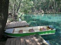在The Creek停泊的小船 库存图片