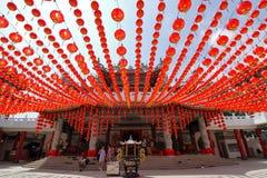 在Thean后屿寺庙的红色灯笼装饰在吉隆坡,马来西亚 免版税库存图片