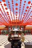 在Thean后屿寺庙的红色灯笼装饰在吉隆坡,马来西亚 库存图片
