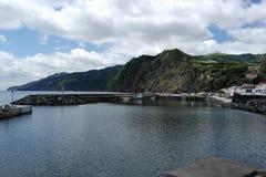 在theHarbor, Ponta Delgada,葡萄牙的看法 免版税库存照片