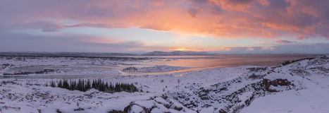 在Thingvellir,冰岛的冬天场面 免版税库存照片