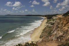 在Tibau的峭壁做南水道海滩 免版税图库摄影