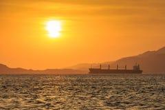 在Tiran海岛的日出  亚喀巴 埃及 库存照片