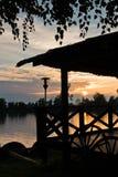 在Tisa河的夏天日落在Novi Becej 免版税库存图片