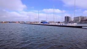 在Tomis小船的多云和大风天端起 影视素材