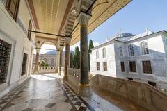 在Topkapi宫殿,伊斯坦布尔,土耳其的观众霍尔 免版税库存照片