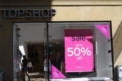 50%在TOPSHOP的销售 免版税库存照片