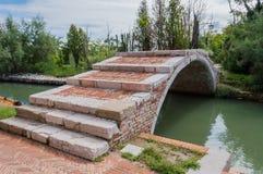 在Torcello,威尼斯的恶魔的桥梁 库存照片