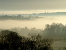在torrington的黎明薄雾 库存图片