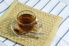 在transparant杯子的热的茶 图库摄影