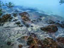 在Trat泰国的美丽的蓝色海海滩 库存照片