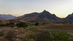 在Tsaranoro谷的日落在Andringitra国家公园在马达加斯加 免版税库存图片