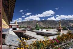 在Tsetang附近的桑耶寺修道院在西藏-中国 库存图片