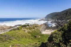 在Tsitsikamma国家公园,南非海岸的供徒步旅行的小道  库存照片