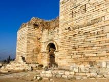 在turke的以弗所附近入Ayasoluk城堡门在Selcuk 免版税库存照片