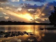 在Turkey湖的日落 免版税库存照片