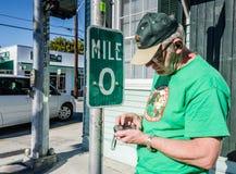 在U的Geocacher S 路线1 -基韦斯特岛,佛罗里达 免版税库存照片