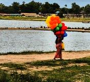 在Ubein桥梁的气球 库存照片