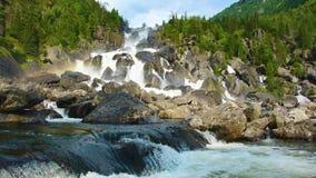 在Uchar瀑布,阿尔泰,俄罗斯的彩虹 影视素材