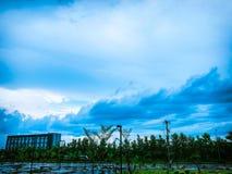 在UdonThani Rajabhat大学的天空 库存照片