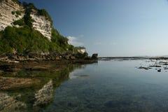 在ulu watu附近的巴厘岛海岸 免版税库存图片