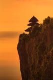 在Uluwatu寺庙,巴厘岛印度尼西亚的剪影 库存图片