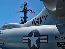 在USS中途博物馆的美国海军喷气机 免版税库存照片