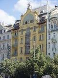 在Và ¡ clavské nà ¡ mÄ› stÃ大道的历史建筑在布拉格 免版税库存图片