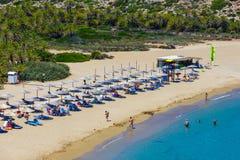 在Vai的著名海滩有东部克利特的,希腊一个美丽的棕榈森林的 免版税图库摄影