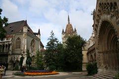在vajdahunjad里面的城堡 免版税库存图片