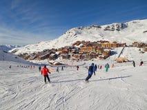 在Val Thorens的滑雪倾斜 库存照片
