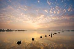 在Valkenburgse Meer的日落 库存照片